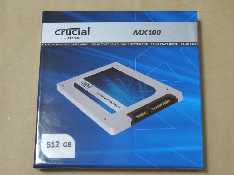 Crucial CT512MX100SSD1のパッケージ