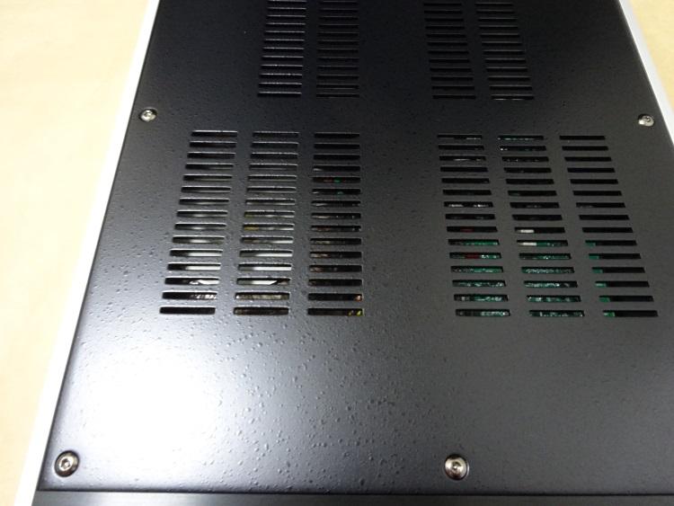FOSTEX HP-A8の天板のつぶつぶ