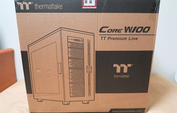 Thermaltake Core W100のパッケージ