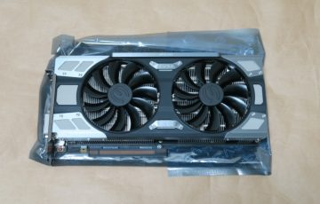 EVGA GeForce GTX 1070 FTW GAMING ACX 3.0本体