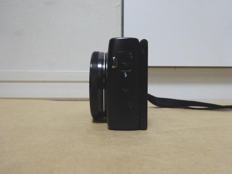 PowerShot G7 X左側面の様子