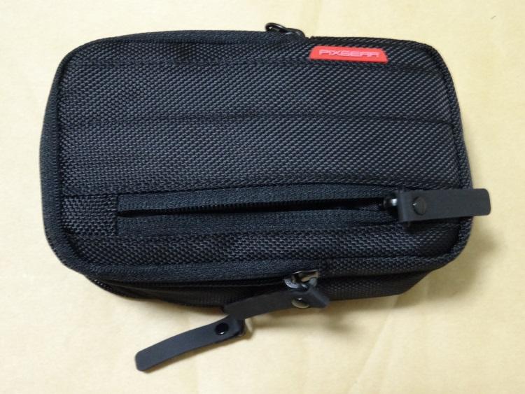 HAKUBA SPG-TPCPM-BKの表側のポケット