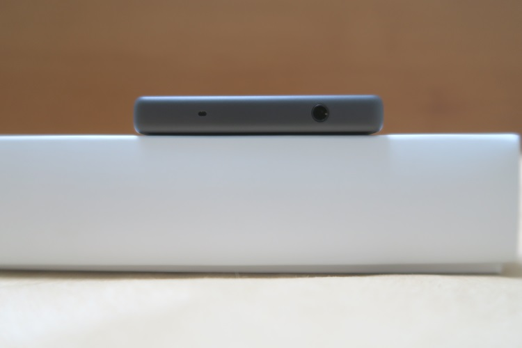 Sony Xperia Z5 Compact E5823の上側の様子