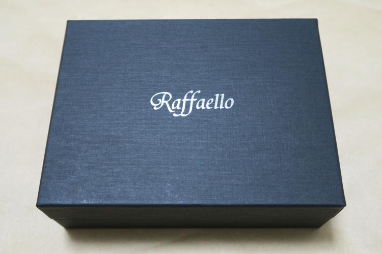 Raffaelloの財布 ブライドルレザーの外箱