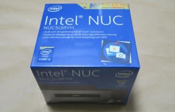 Intel NUC NUC5i3RYKの本体パッケージ