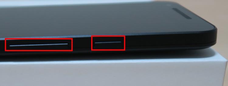 Google Nexus 5X(LG-H791)本体右側面の様子