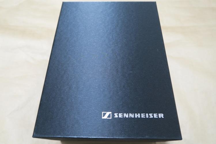 SENNHEISER HD700パッケージ内の箱