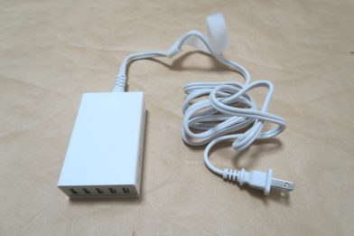 白い5ポートUSB充電器 dodocool DA65のレビュー
