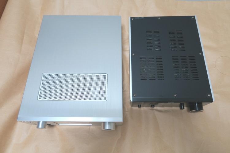 OPPO HA-1(JP)とFostex HP-A8を並べた様子