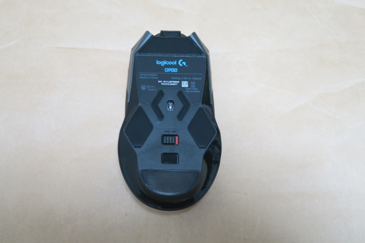 Logicool G900本体底面