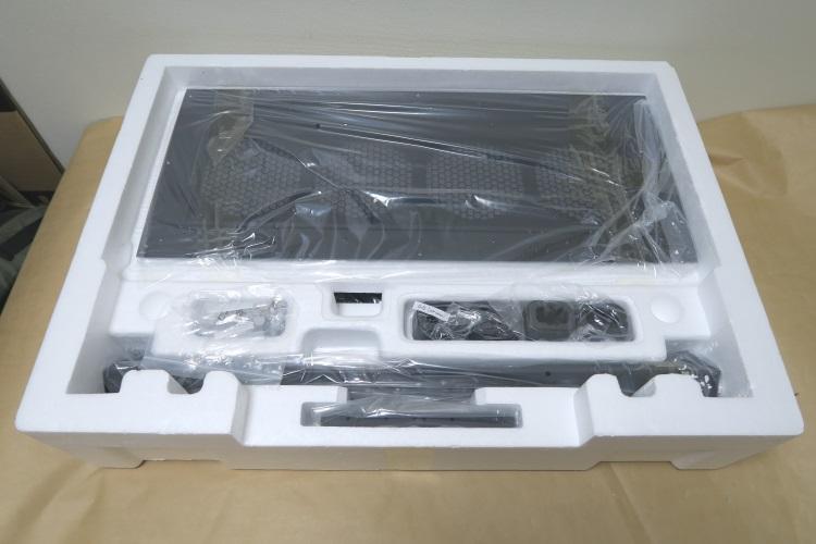 Thermaltake Core P100の製品内容