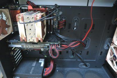 PCの電源ケーブルをスリーブ仕様に交換するメリットとデメリット