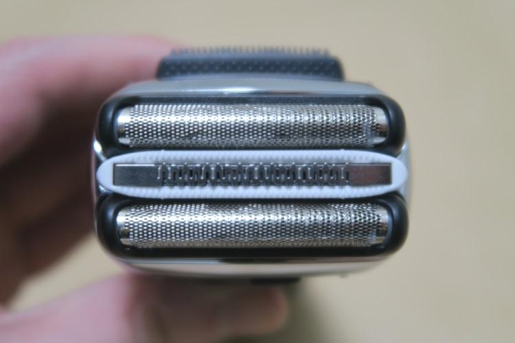 ブラウン シリーズ3 3080s-Sの外刃と内刃の様子