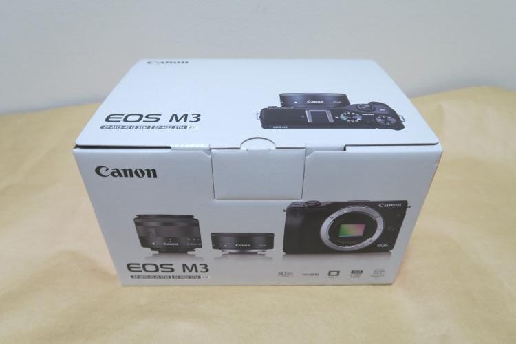 Canon EOS M3 ダブルレンズキット2のパッケージ