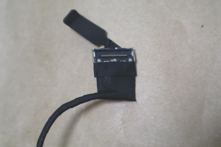 MSI Cubi 2 PlusのSATA用ケーブル(ベアボーン側のコネクタ)