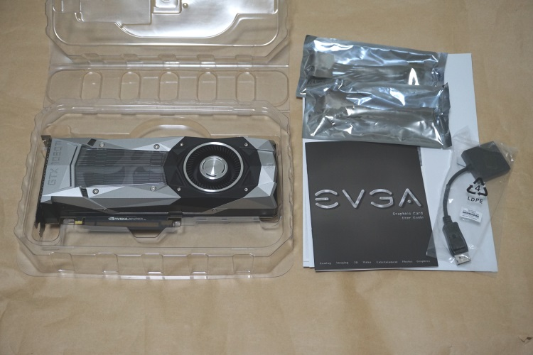 EVGA GeForce GTX 1080 Ti FOUNDERS EDITIONの製品内容(付属品)