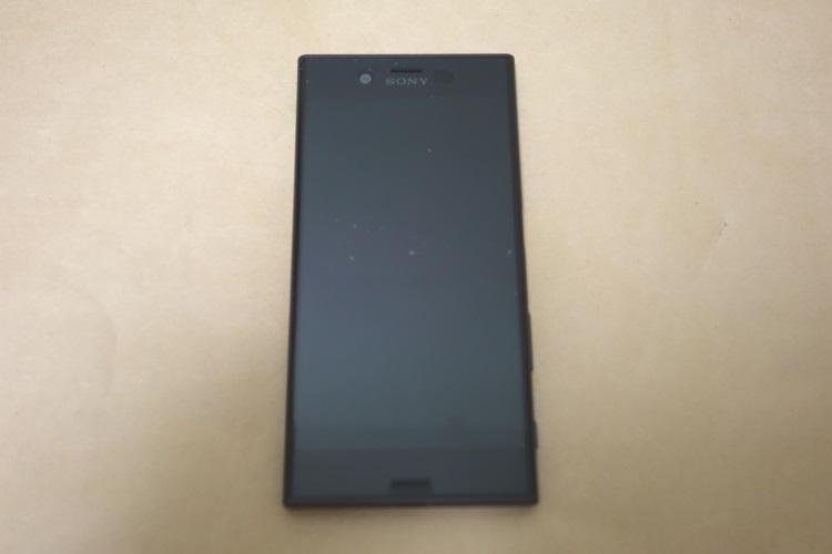 SONY Xperia XZs G8232本体表側