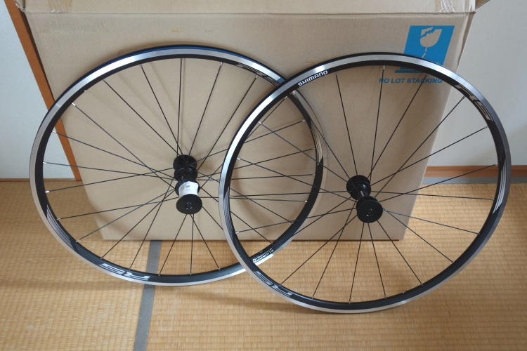 Giant Escape R3用に買ったシマノ WH-RS010