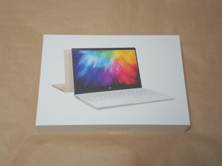 Xiaomi Notebook Air 13.3 指紋認証対応モデルのパッケージ