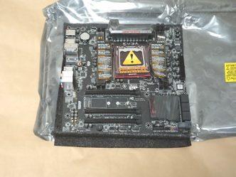 EVGA X299 Micro本体の様子