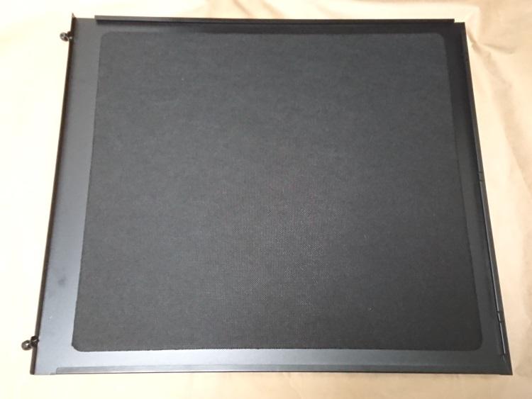 Fractal Design Define R5 Titanium Grey右サイドパネル内側の様子