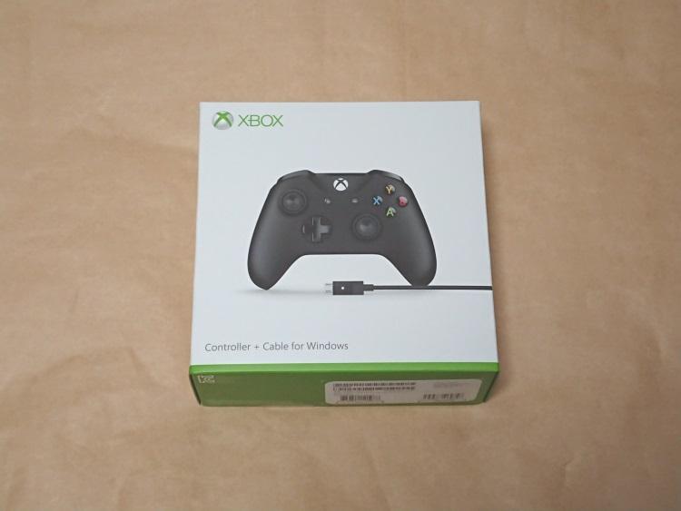 Xbox ワイヤレス コントローラーのパッケージ