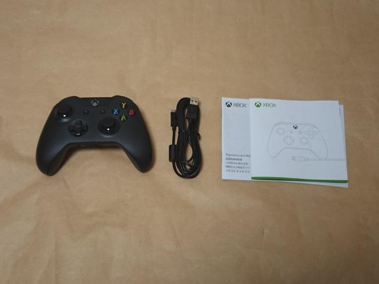 Xbox ワイヤレス コントローラーの製品内容(付属品)