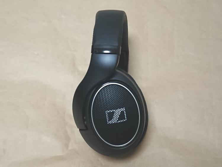 ゼンハイザー HD 598 SRの本体側面