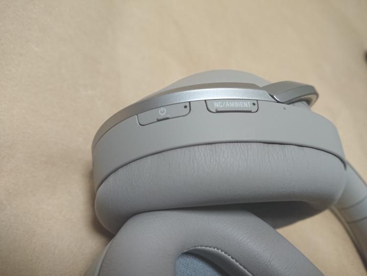 SONY WH-1000XM2本体(左側後部のボタン類)