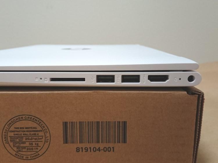 HP x360 11-ab051TU本体右側面