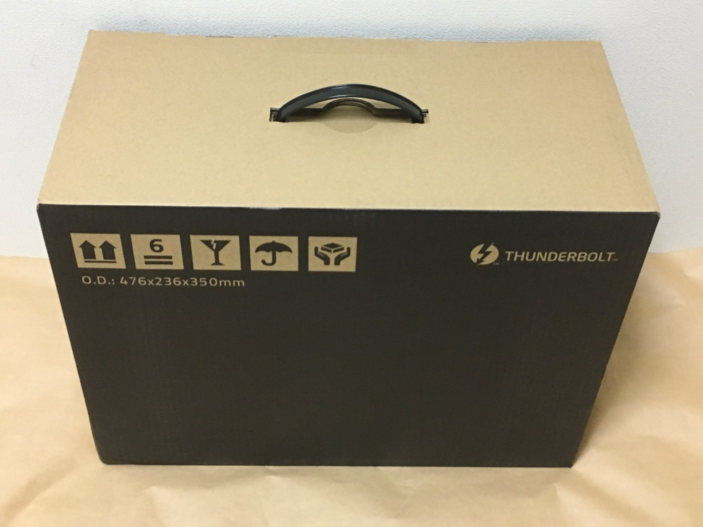 Razer Core Xのパッケージ