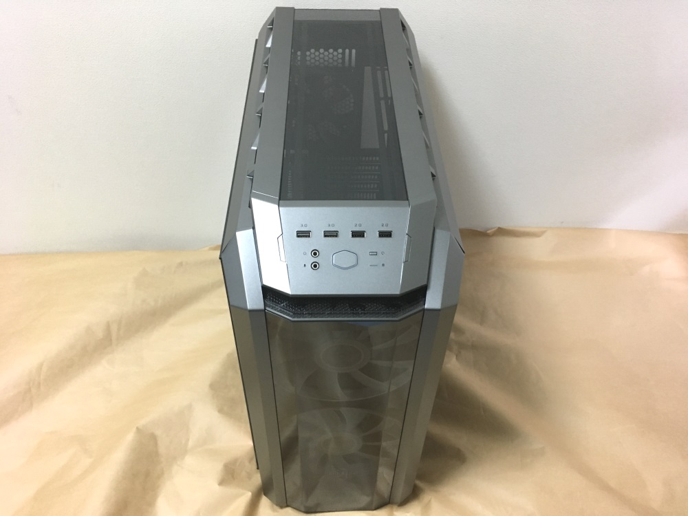 クーラーマスター MasterCase H500Pの本体正面