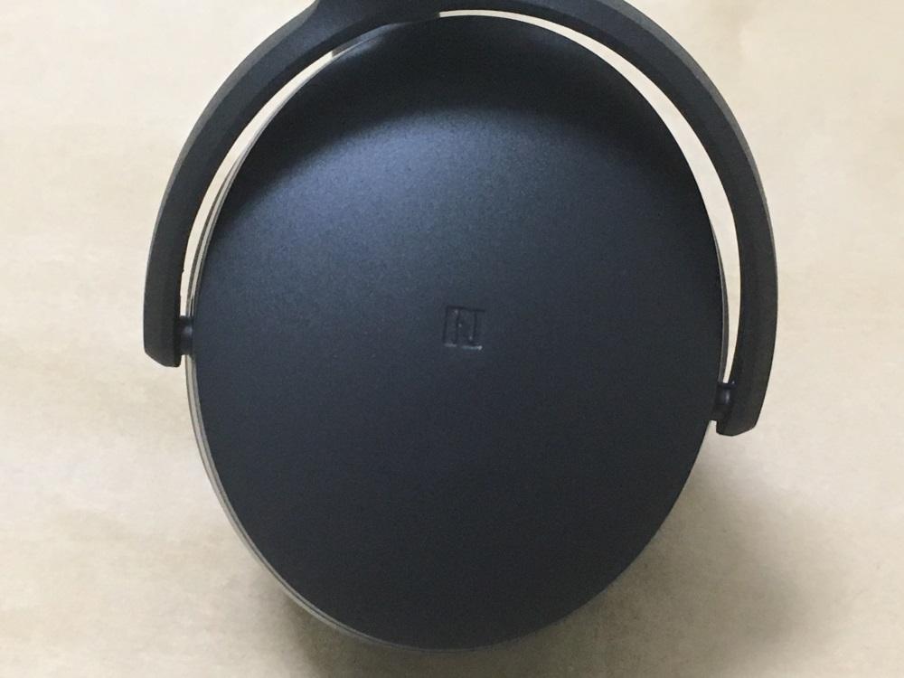 ゼンハイザー HD 4.40 BTの左耳外側