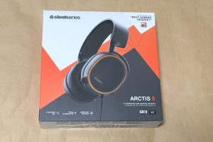 SteelSeries Arctis 5 2019 Editionのパッケージ
