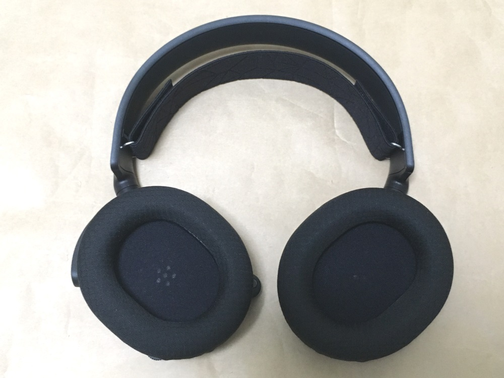 SteelSeries Arctis 5 2019 Editionの本体内側の様子