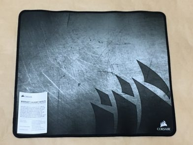 Corsair MM300 Mediumをレビュー!ステッチ有りの布製ゲーミングマウスパッド