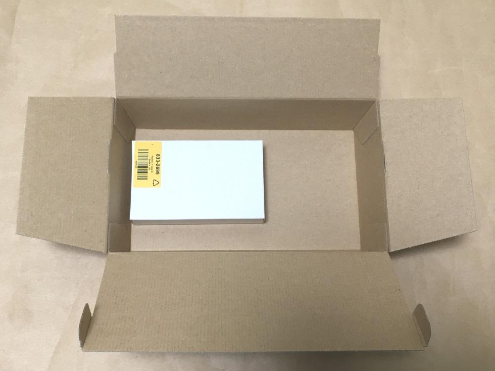 RSコンポーネンツで注文した商品のパッケージを開けた様子