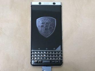Blackberry KEYone本体表側の様子