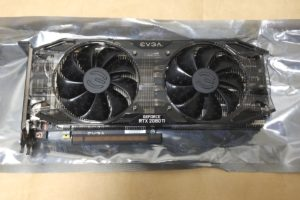 EVGA GeForce RTX 2080 Ti BLACK EDITION本体(正面)