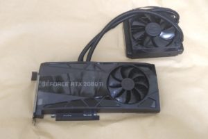 EVGA GeForce RTX 2080 Ti FTW3 ULTRA HYBRID本体の様子