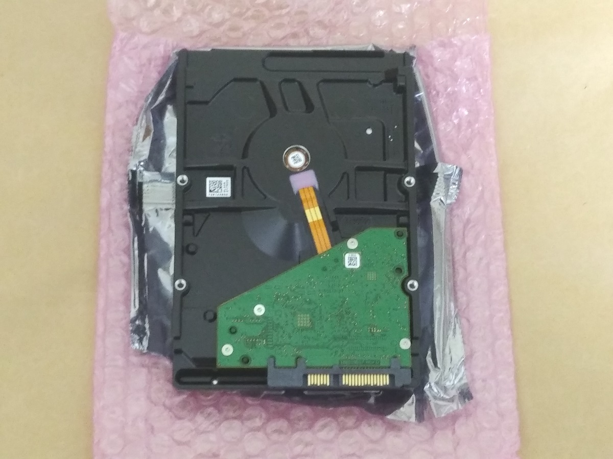Seagate ST8000DM004本体(裏側)