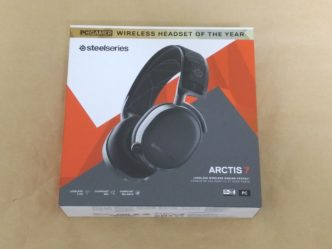 SteelSeries Arctis 7 2019 Editionのパッケージ