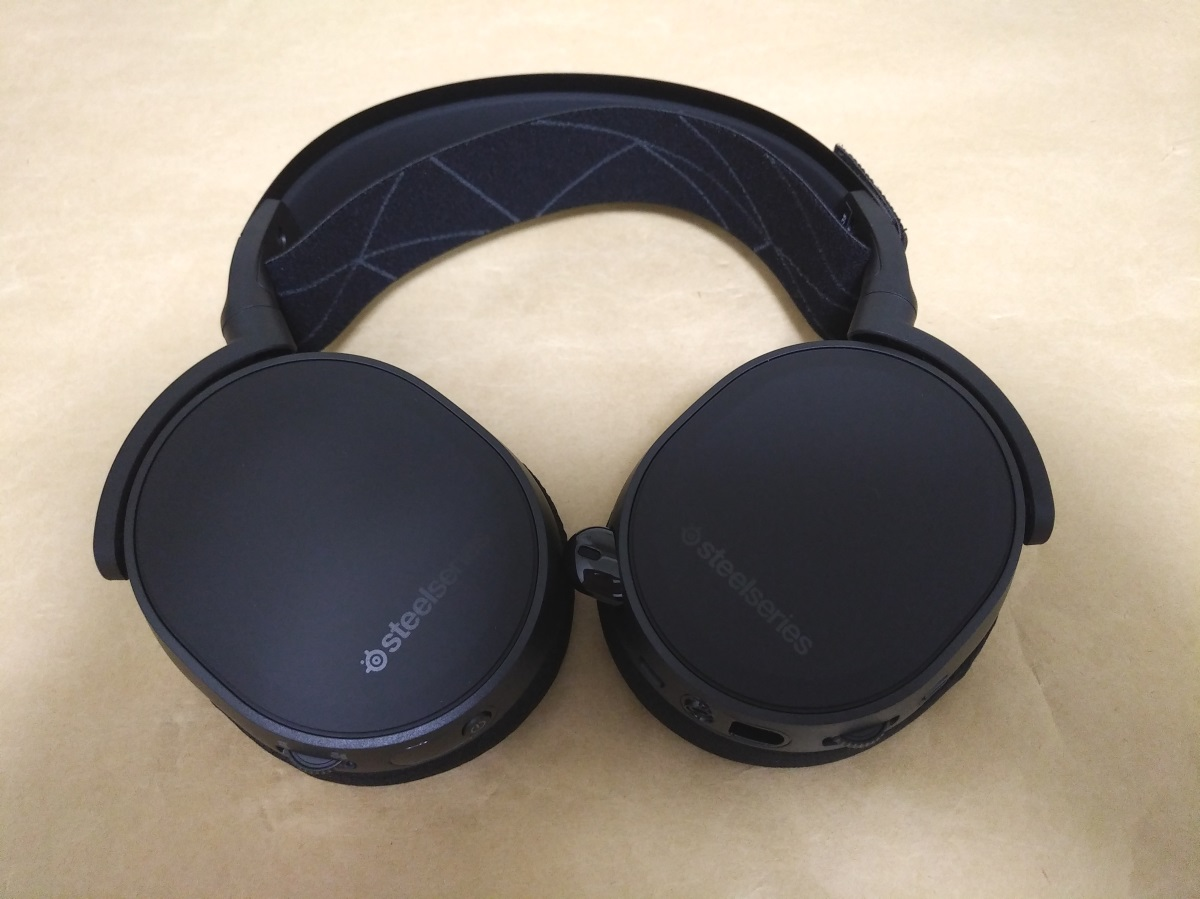 SteelSeries Arctis 7 2019 Edition本体外側