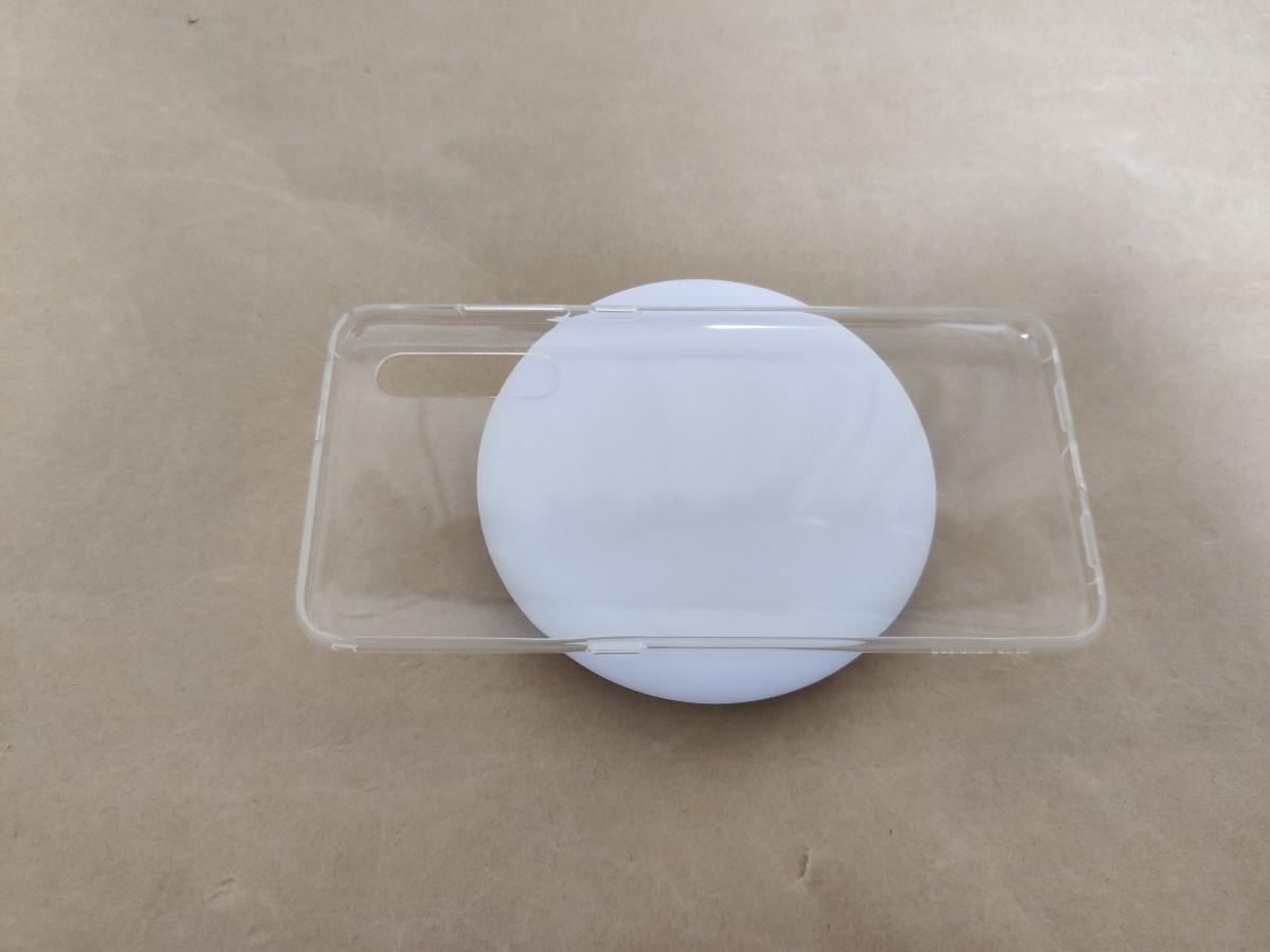 Xiaomi MDY-10-EPの上にスマホケースを置いた様子