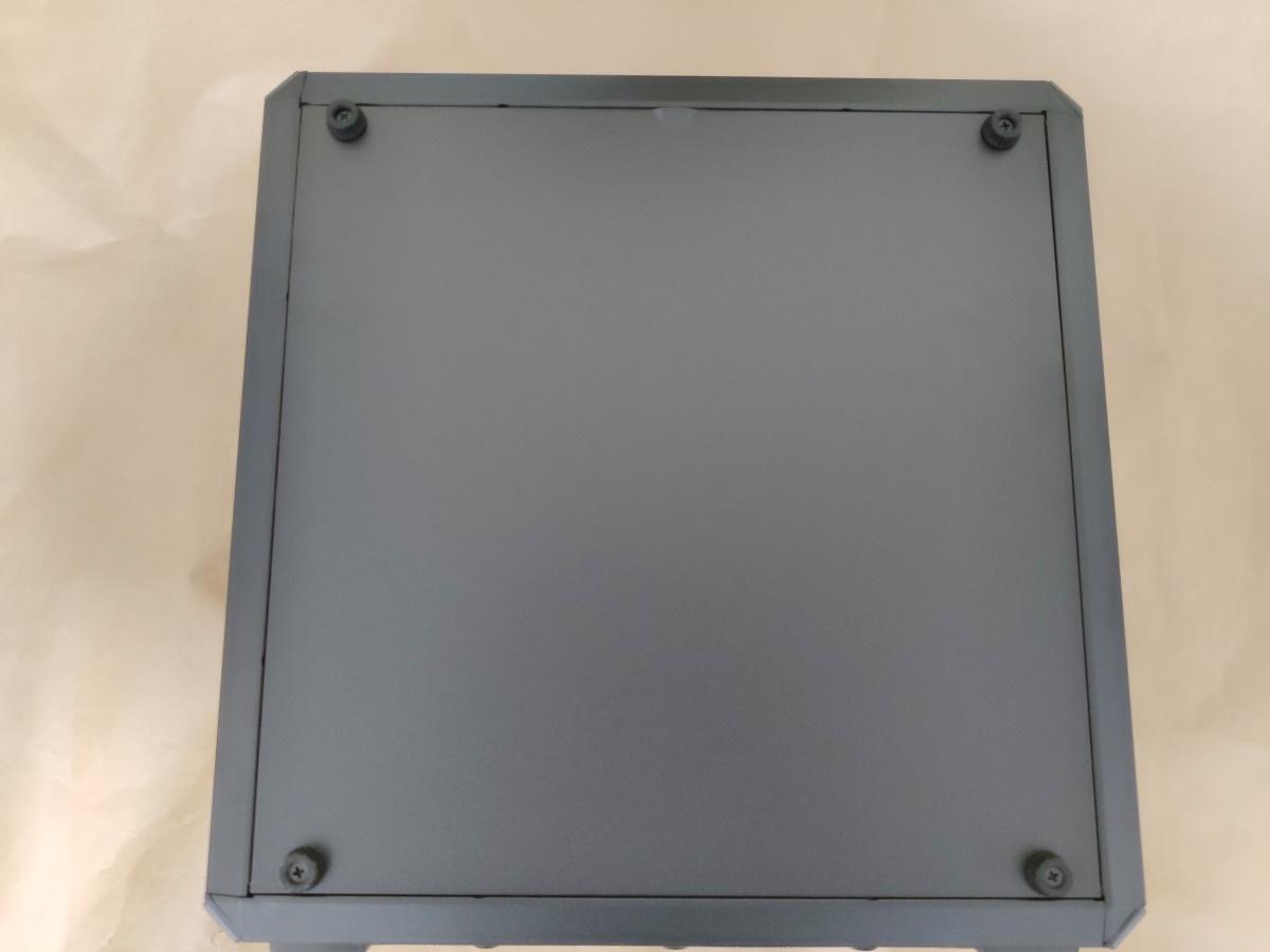 クーラーマスター MasterBox Q500Lの右側面