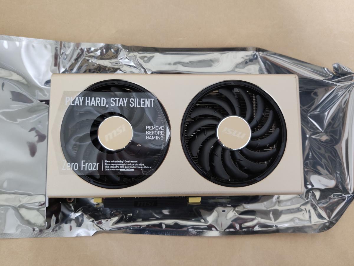 MSI Radeon RX 5700 XT EVOKE OC本体正面