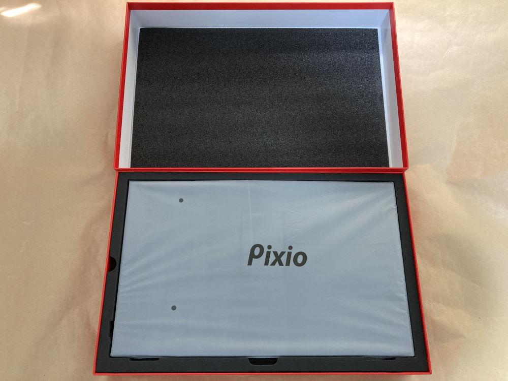 Pixio PX160のパッケージを開封した様子