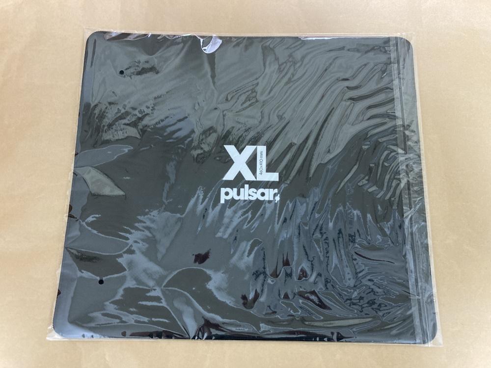 Pulsar PARACONTROLをパッケージから取り出した様子