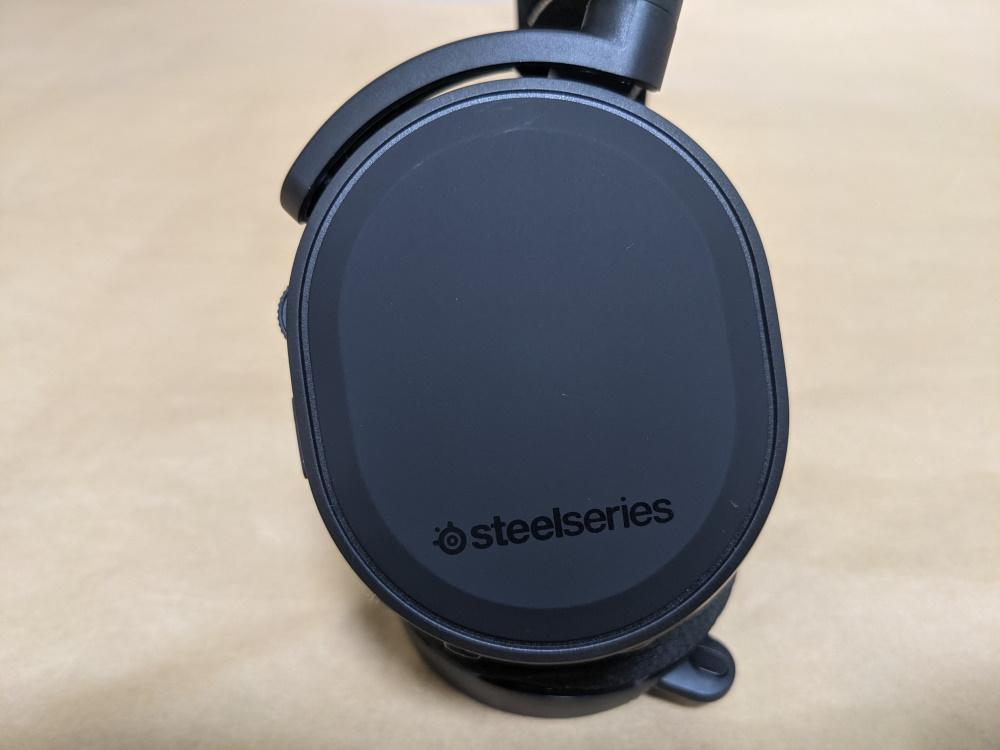 SteelSeries Arctis 9 Wireless本体側面側