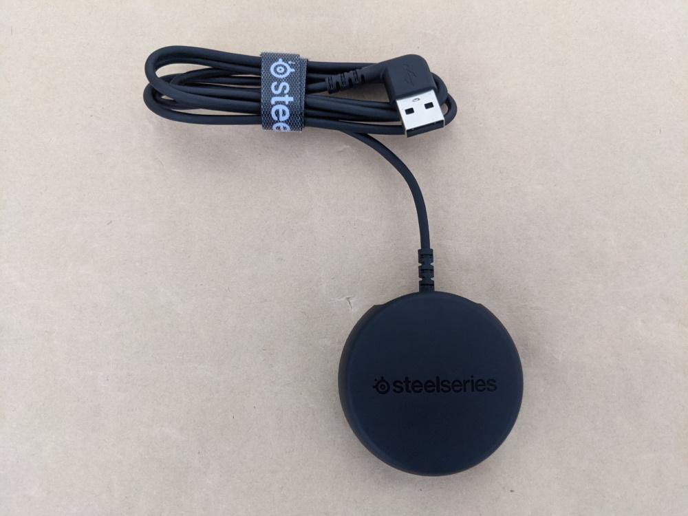 SteelSeries Arctis 9 Wirelessのワイヤレスレシーバー